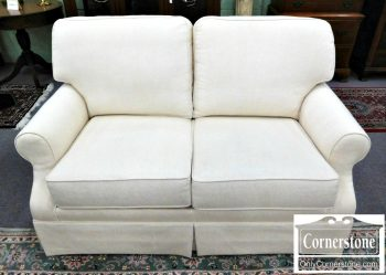 2339-128 King Hickory White Upholstered Loveseat