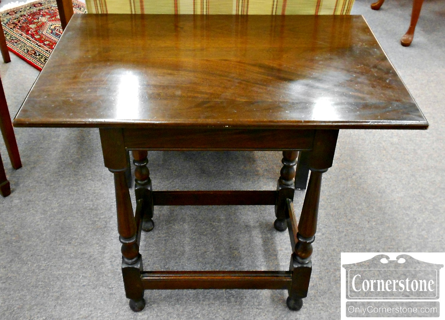 2414-25 Solid Mahogany Jacobean Style Joint Bench Stand