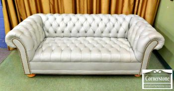 3959-1874 - Pale Gray Leather Chesterfield Sofa