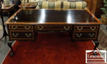 3959-2133 - Stickley Mahogany Chippendale Faux Partner's Desk