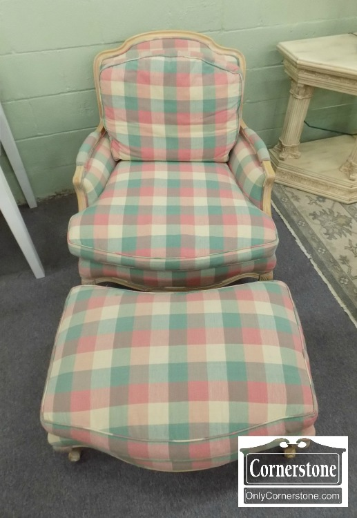 3959 2605   Plaid Chair With Ottoman