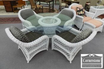 3959-3008-Henry Link Wicker Table 4 Chairs