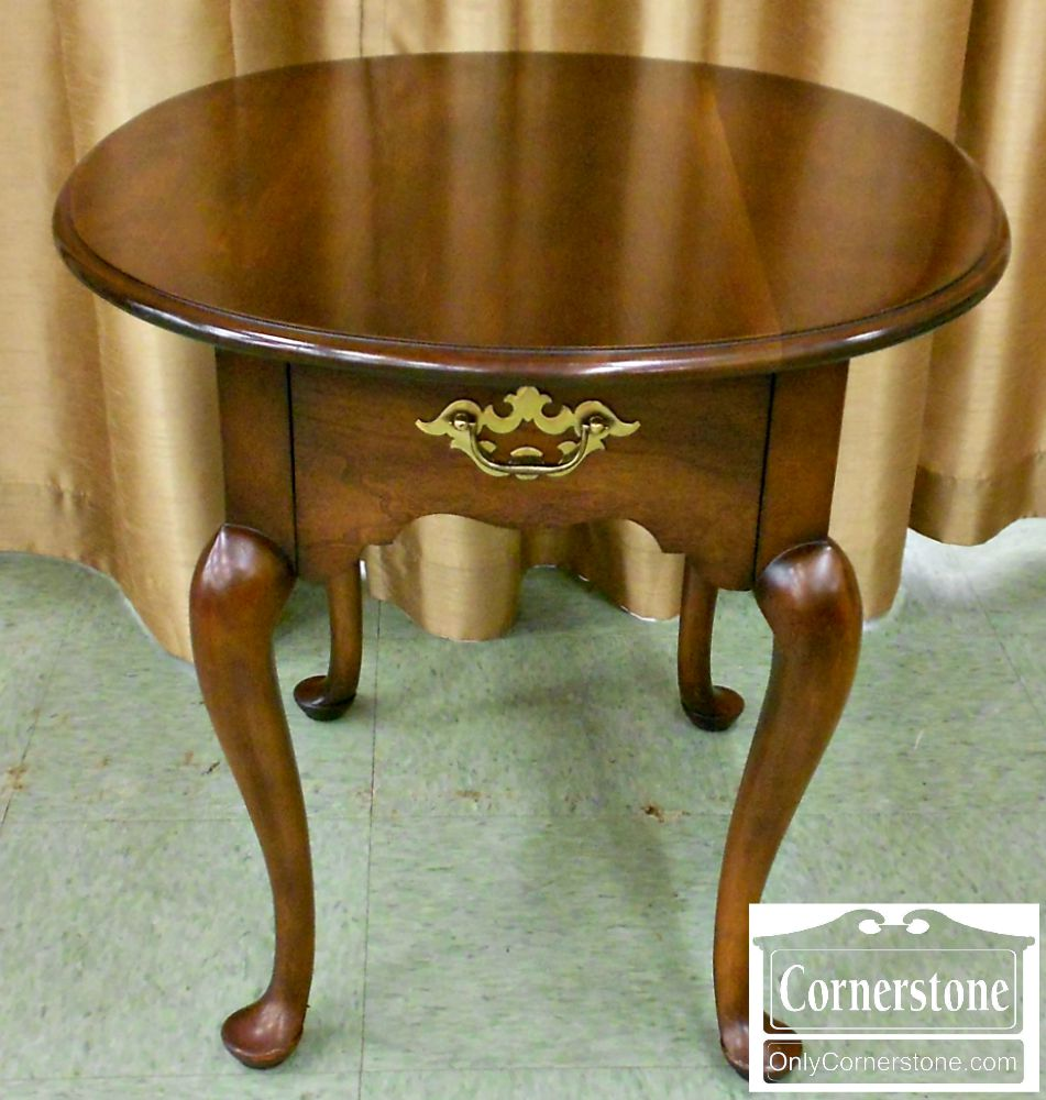 4454-1099 Oval Statton Solid Cherry Queen Anne End Table in Oldtowne Finish