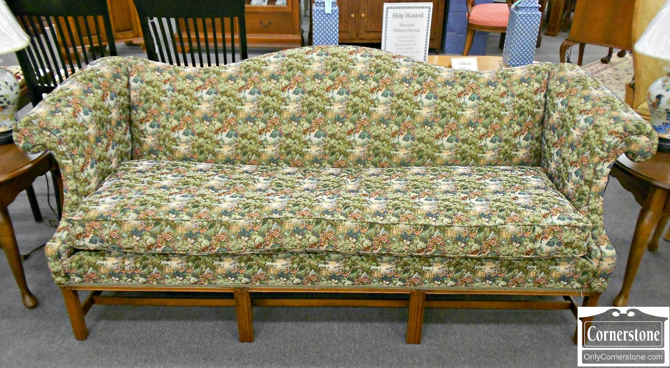 5208-435 Chippendale Camelback Sofa