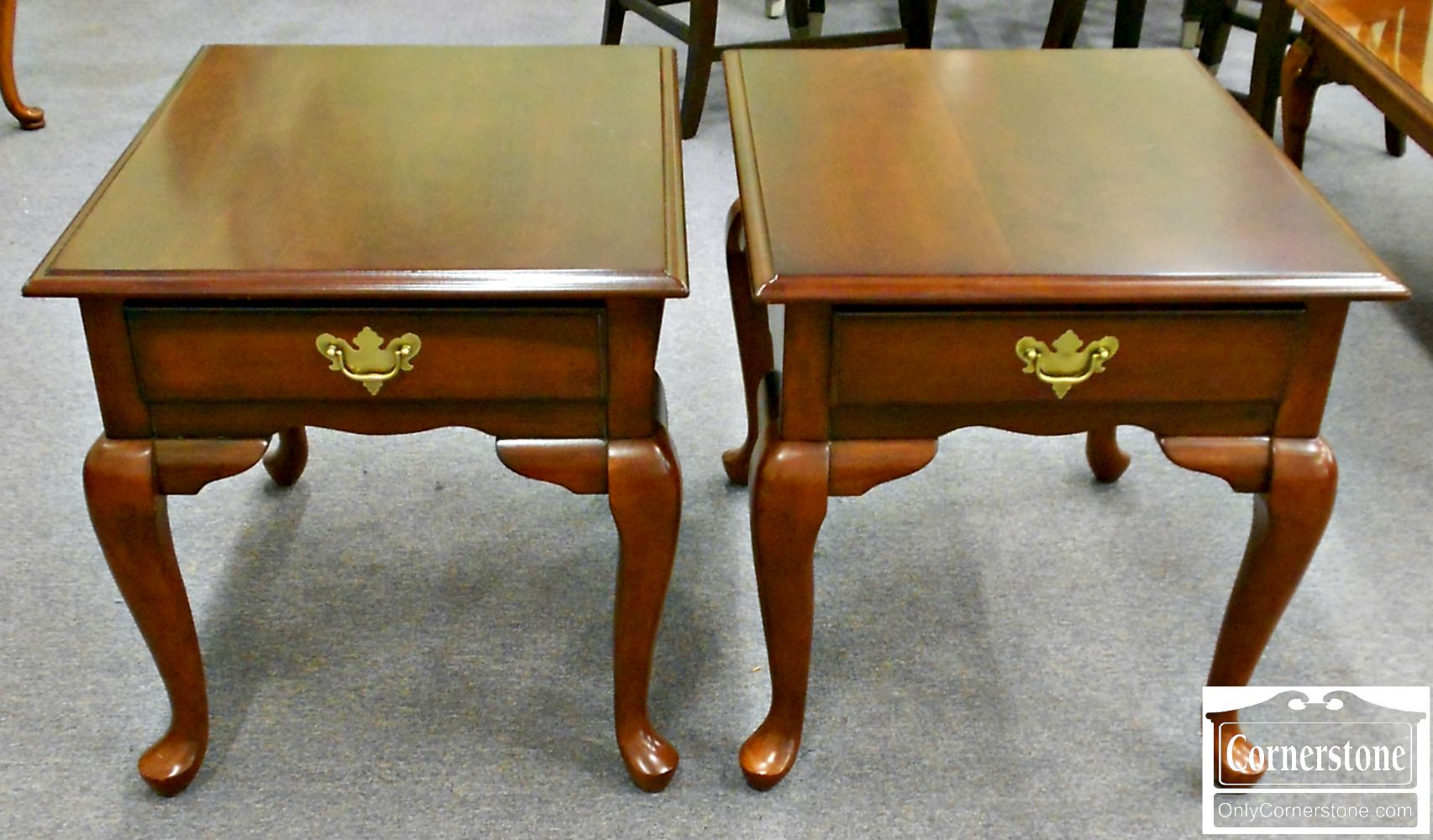 5208-771 Pair of Queen Anne End Tables