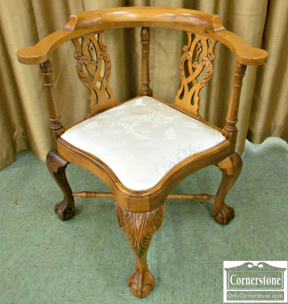 5666-323 Mahogany Chippendale Ball & Claw Foot Corner Chair