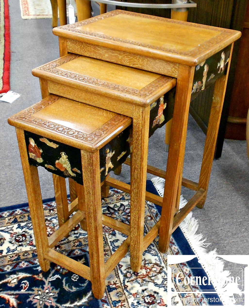 5666-429 Set of 3 Majestic Company Oriental Nesting Tables