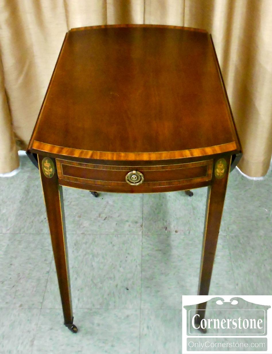 5670-712 Cabinet Made for John Wanamaker Mahogany Banded Inlaid Pembroke Table