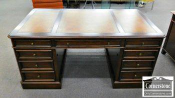 5960-266 Ethan Allen Cherry Leather Top Executive Desk