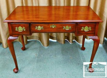 5960-342 Henkel Harris Cherry Writing Desk or Vanit