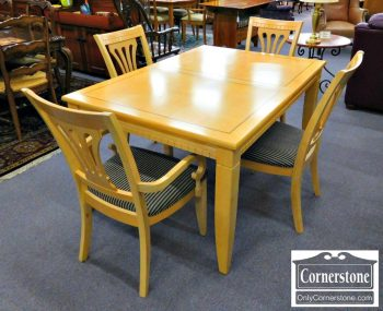 5960-370 Table with 1 Leaf and 4 Chairs