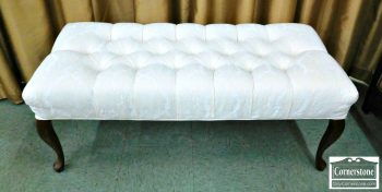 5960-407 Queen Anne Upholstered Bench