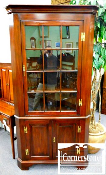 5960-986-henkel-harris-solid-mahogany-12-pane-corner-cabinet-in-finish-29