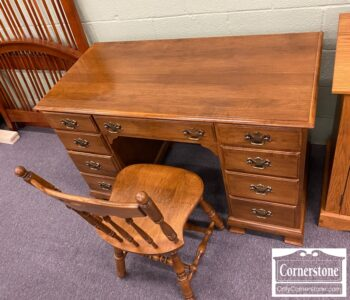 5965-1960 - EA Sol Maple Kneehole Desk and Chair