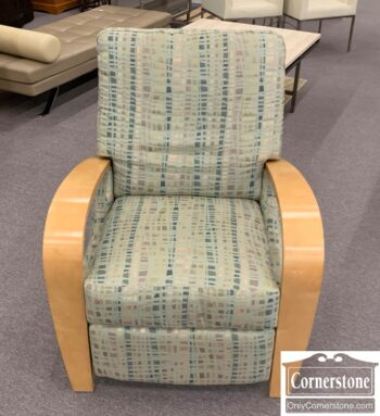 5965-1976 - Modern Recliner Wood Exp Arms