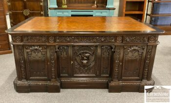 5965-2202 - Solid Mah Resolute President Desk