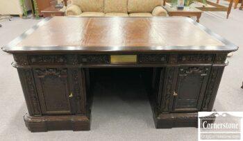 5965-2202Y-Sol-Mah-Resolute-President-Desk3