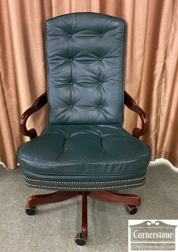 5966-1233 - Green Leather Exec Chair