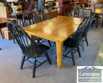 5966-1366 - Broyhill Oak Table Lvs 6 Chairs