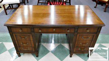 6030-4 Mixed Wood Kneehole Desk