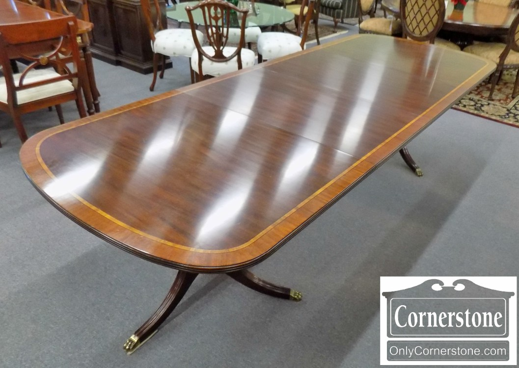 Superb Henkel Harris Mahogany Banded Table In Finish #29 With 2 Leaves