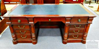 6320-338 - Executive Desk