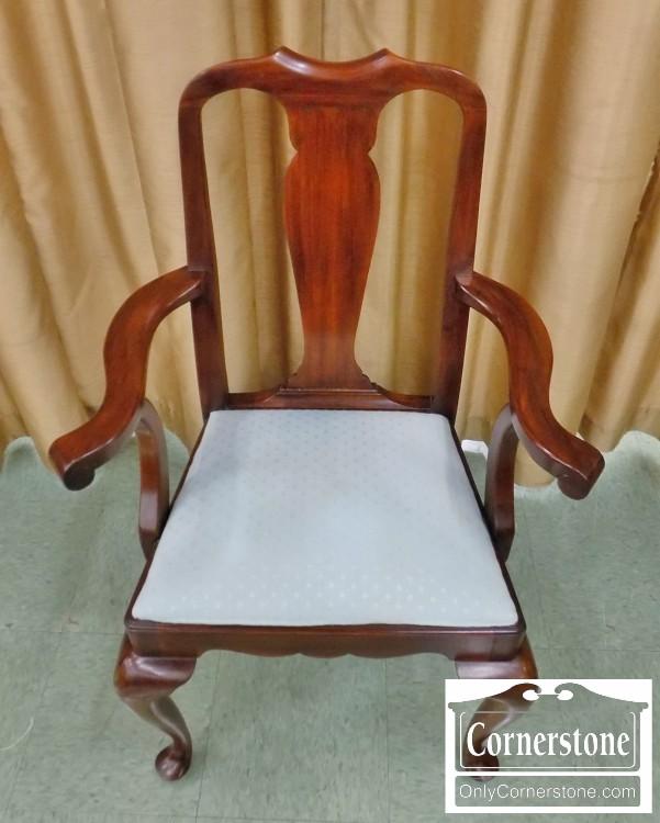 henkel harris set of 8 solid mahogany queen anne chairs sold