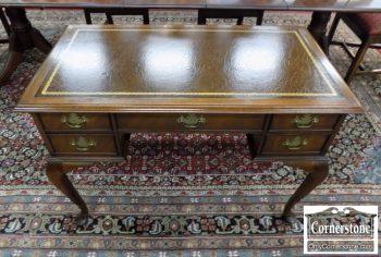 6492-3 - Sligh Mahogany Leathertop Queen Anne Writing Desk