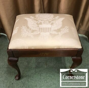 6496-17 - Bicentennial Vanity Bench w Great Seal of US