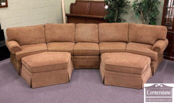 6989-2 - Taylor King 3pc Curved Sectional w Ottoman