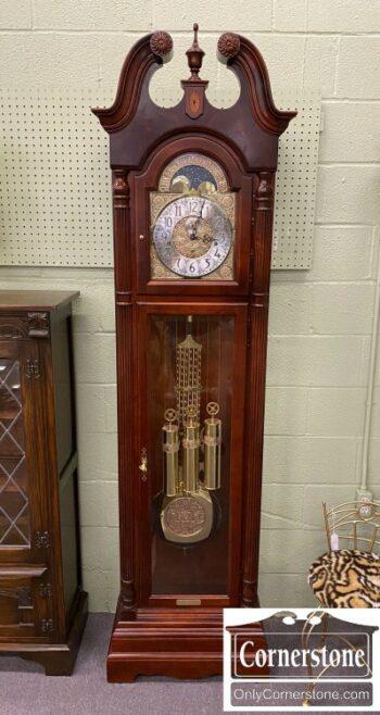 7000-1212-Howard Miller Cherry Clock
