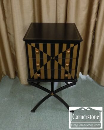 7000-191 - Painted Stand