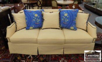 7000-224 - Hickory Chair Yellow Uph Sofa