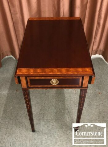 7000-503 - Councill Craftsman Mah Inlaid Pembr Table