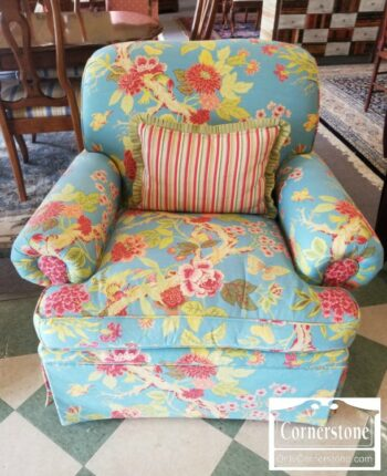7000-794-Calico Corners Blue Floral Uph Chair