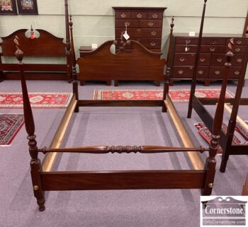 7626-250 - National Mt Airy Queen Poster Bed