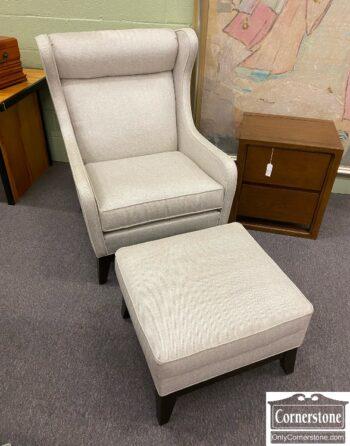 7626-398 - EA Gray Contemp Club Chair Ottom