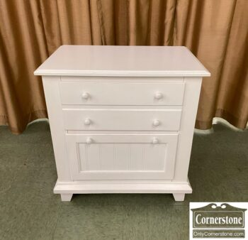 7677-31 - White 2 Drw NStand End Table